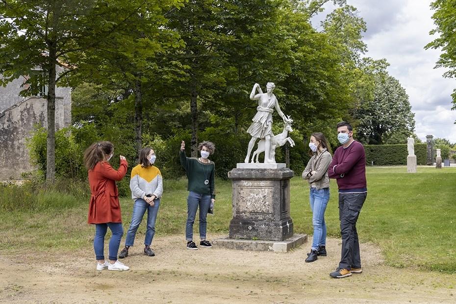 Visiteurs au domaine de la Garenne Lemot © Paul Pascal