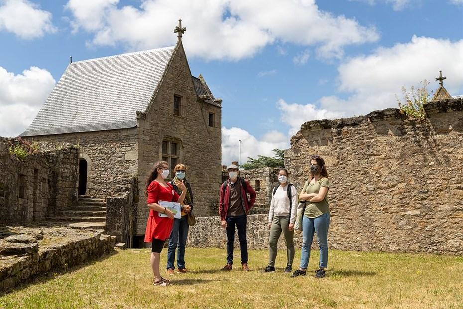Visiteurs au château de Clisson © Paul Pascal/Département de Loire-Atlantique